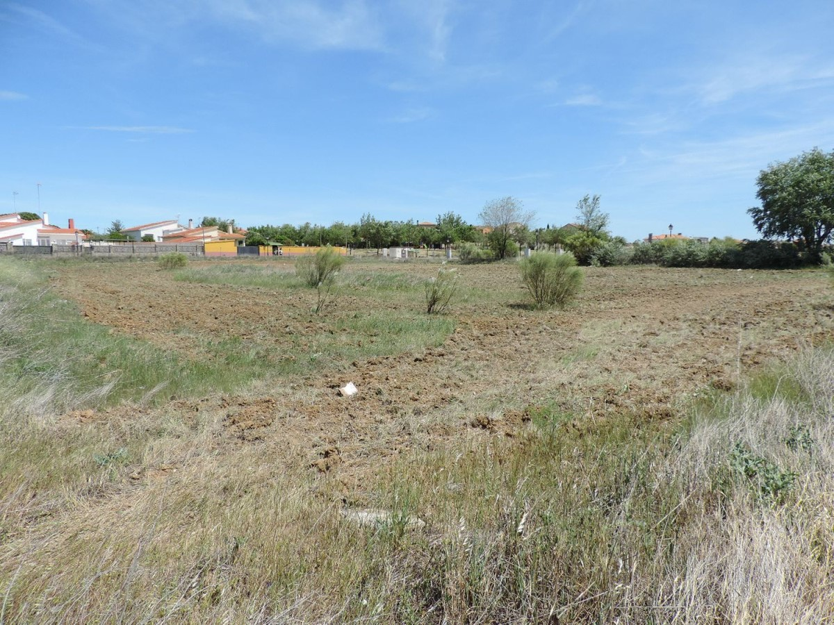Urban lot  For Sale in  Viso de San Juan, El