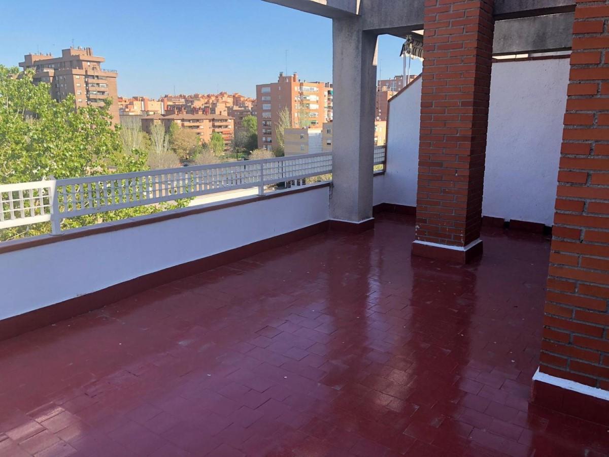 Penthouse  à louer à San Blas, Madrid