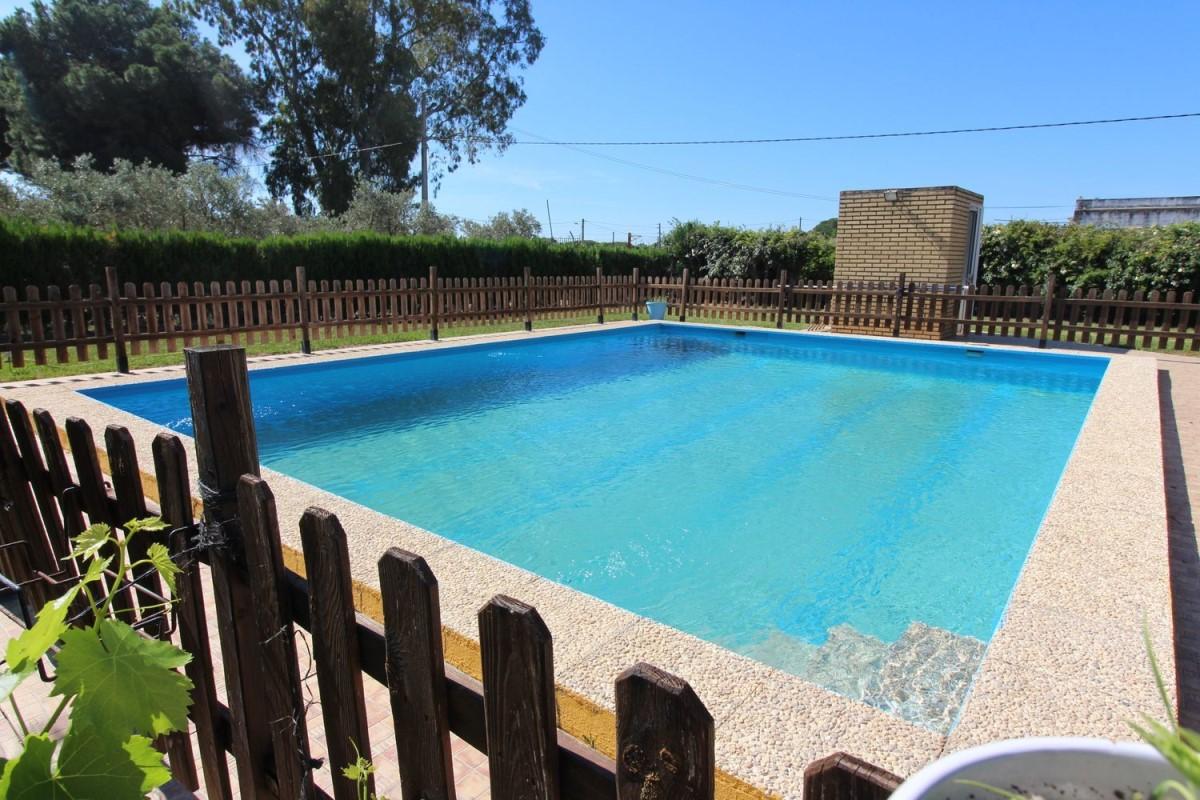 Casa Rural en Venta en  Gibraleón
