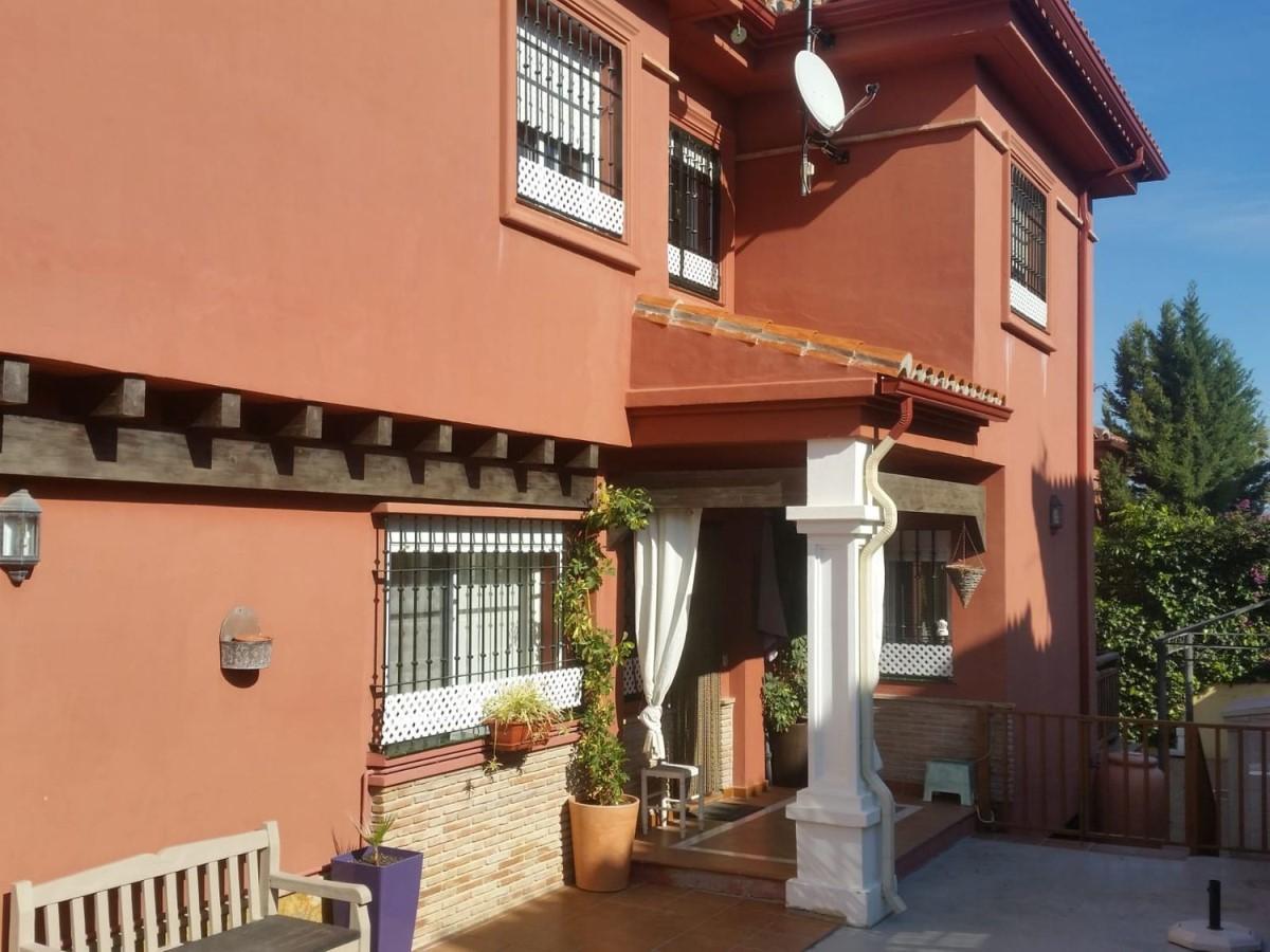 Terraced House  For Rent in  Alhaurín de la Torre