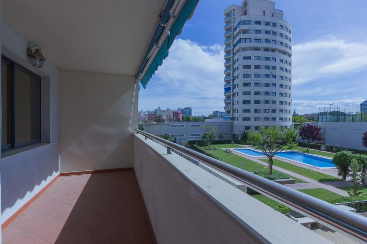 Apartment  For Sale in Campanar, València