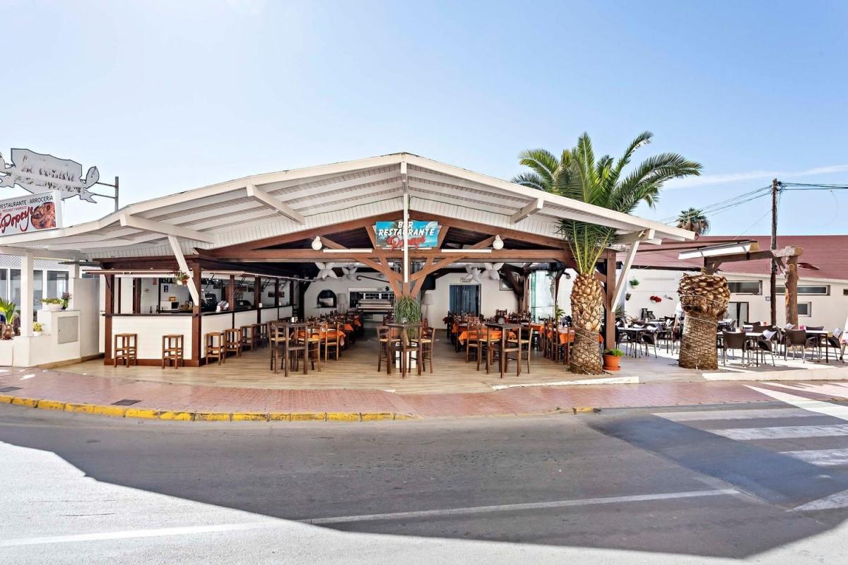 Local Comercial en Venta en  Garrucha