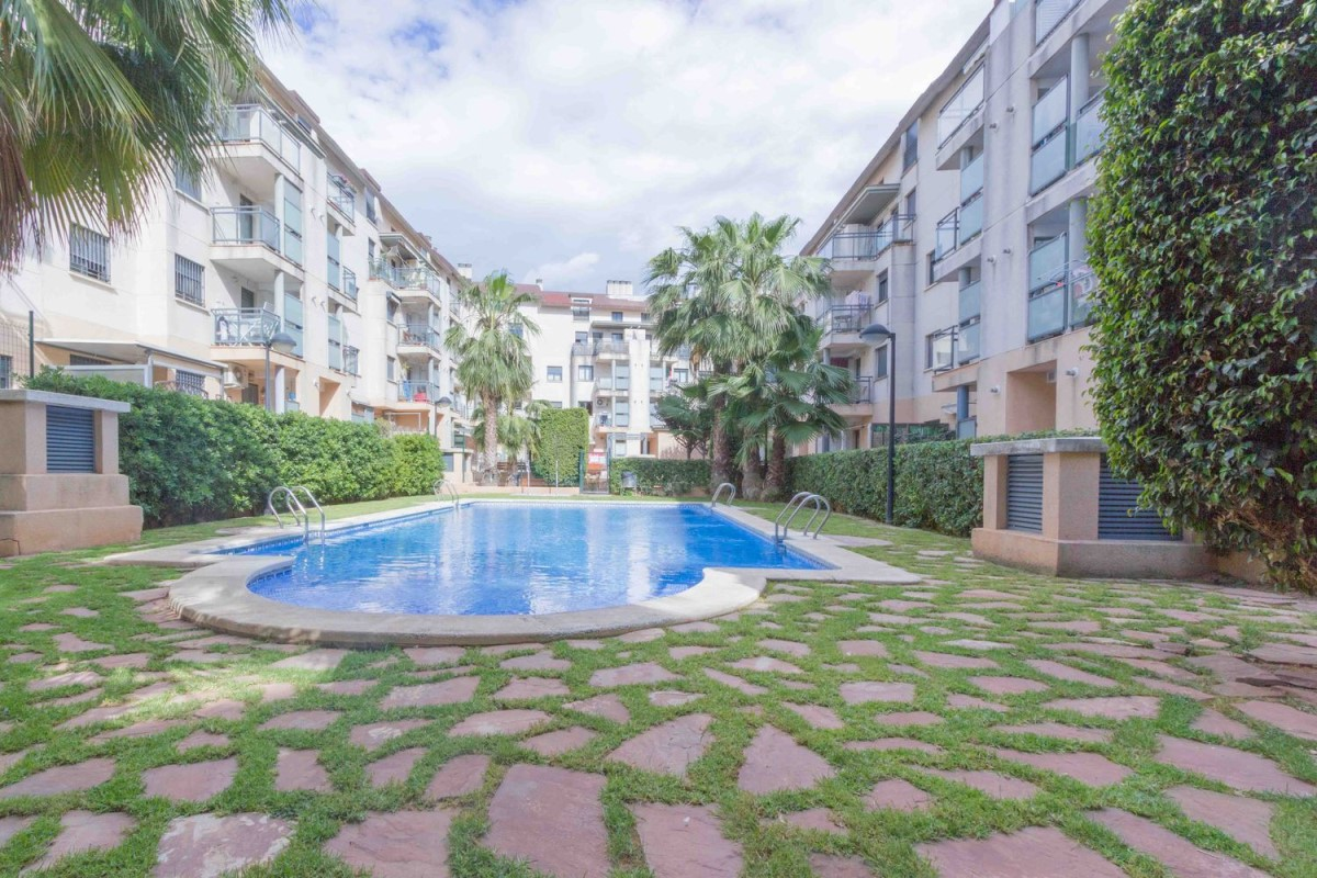 Apartment  For Sale in  Puig