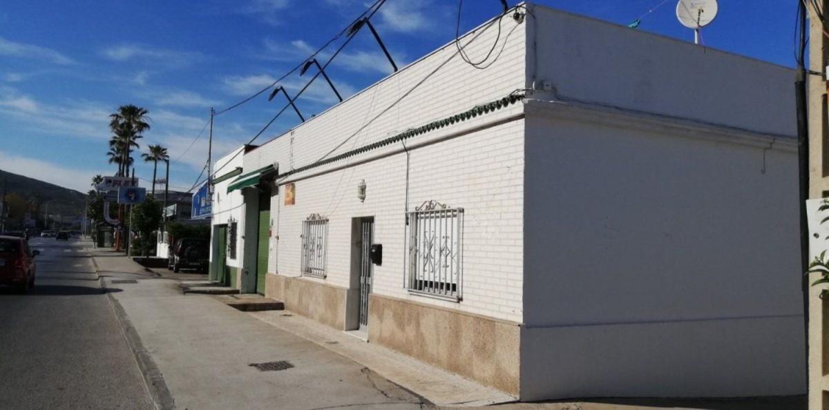 Chalet Adosado en Venta en  Línea de la Concepción, La