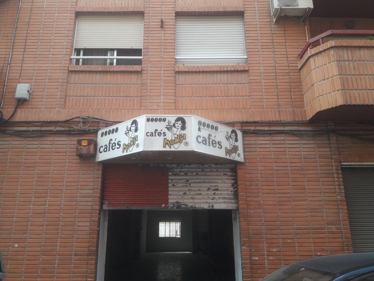 Local Comercial en Venta en  Crevillente