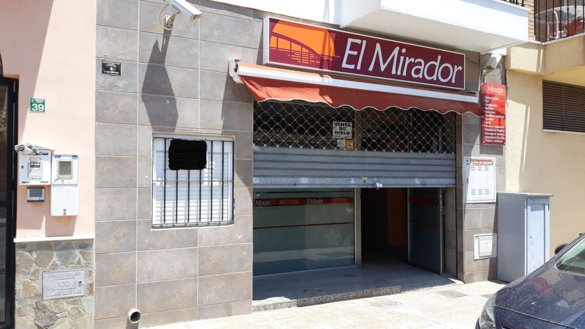 Retail premises  For Sale in  Huércal de Almería