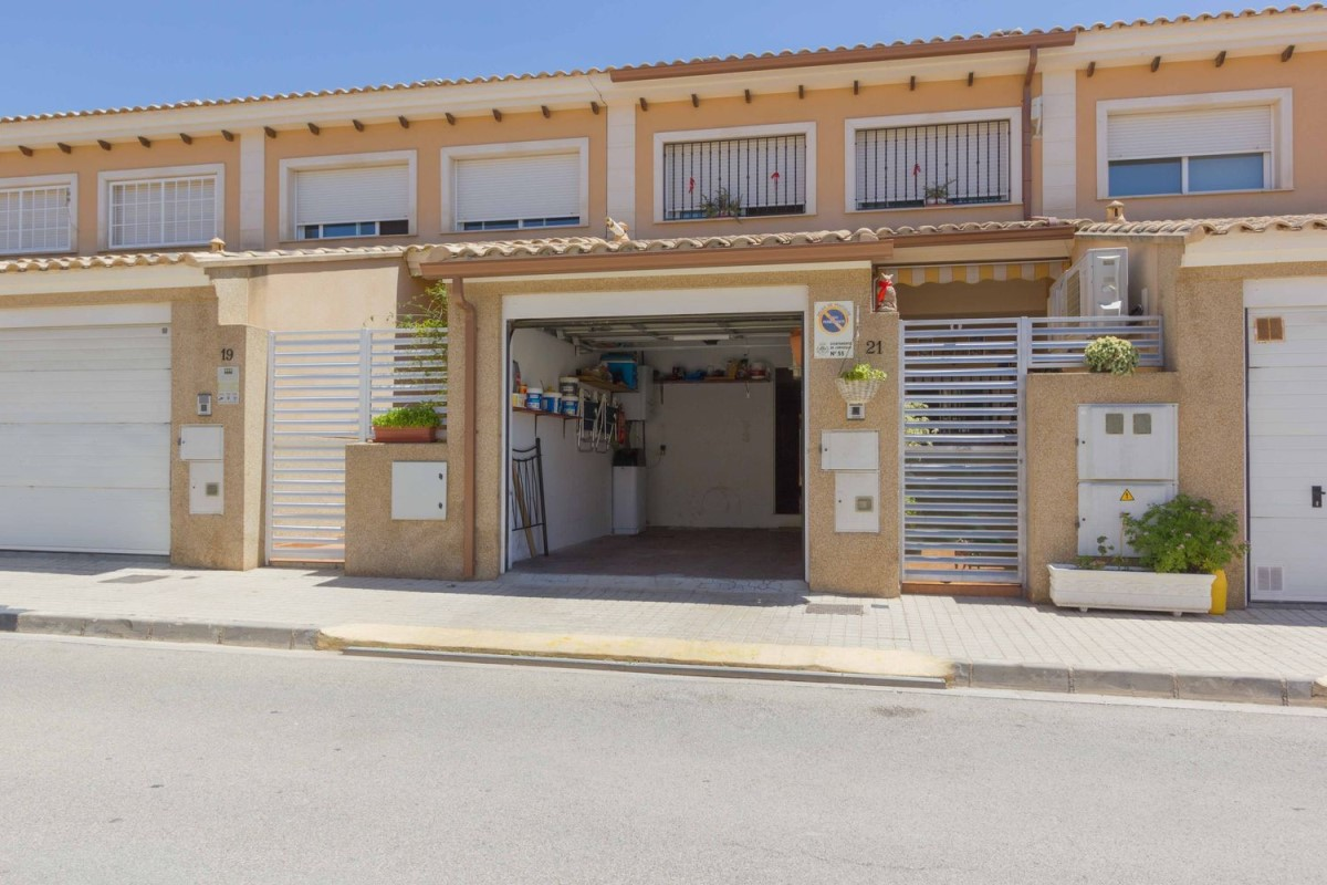 Terraced House  For Sale in  Loriguilla