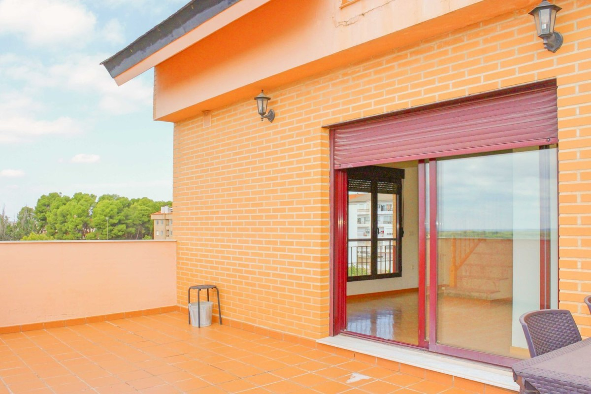 Penthouse  For Rent in  Requena