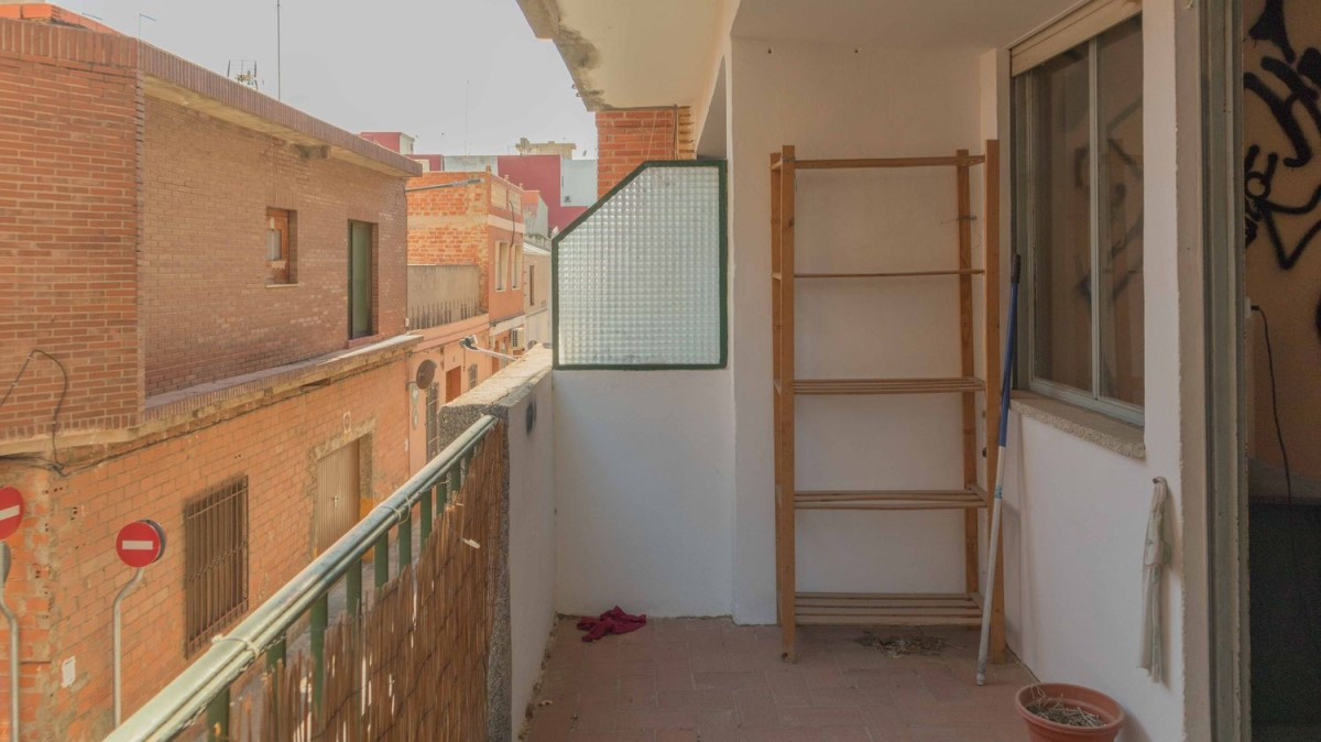 Apartment  For Sale in  Catarroja
