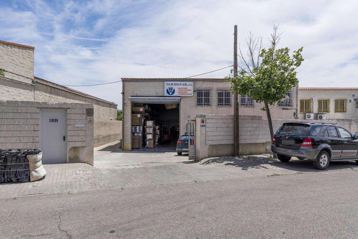 Industrial premises  For Sale in  Daganzo de Arriba