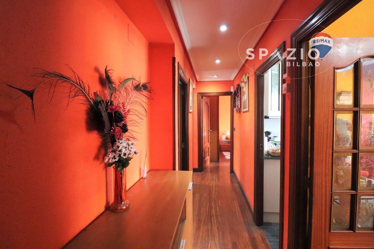 Apartment  For Sale in  Galdakao