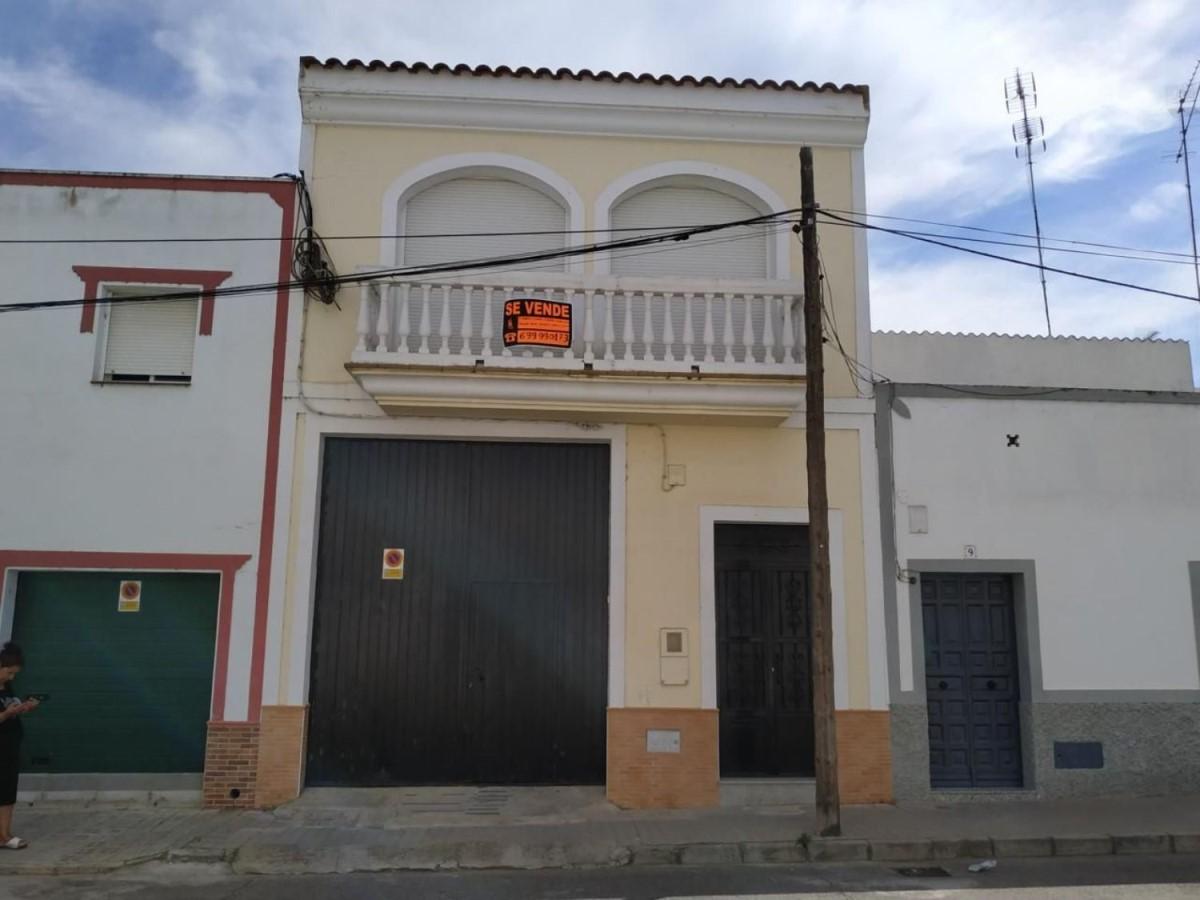 Chalet Adosado en Venta en  Montijo