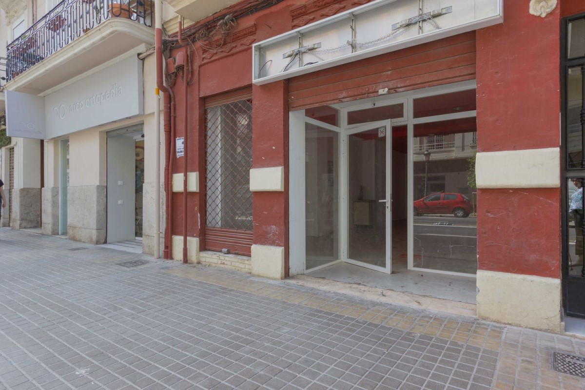 Retail premises  For Rent in L´Eixample, València