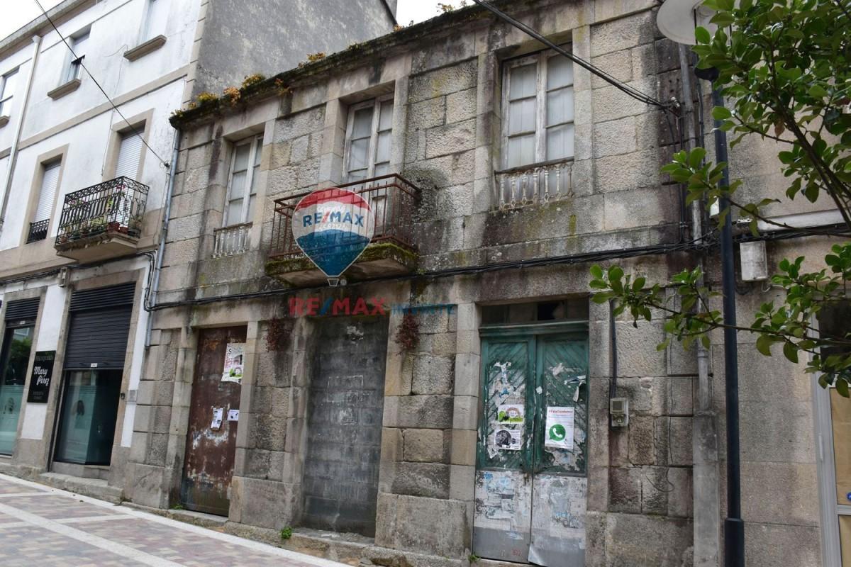 Edificio de Viviendas en Venta en  Gondomar