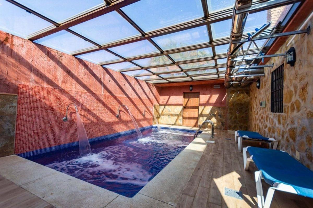 Casa Rural en Venta en  Alora