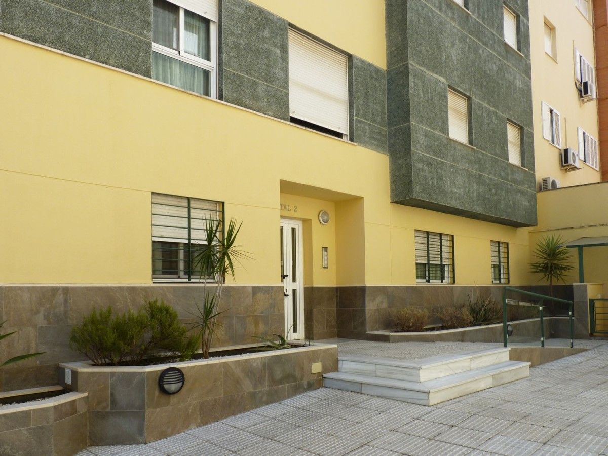 Apartment  For Sale in  Dos Hermanas