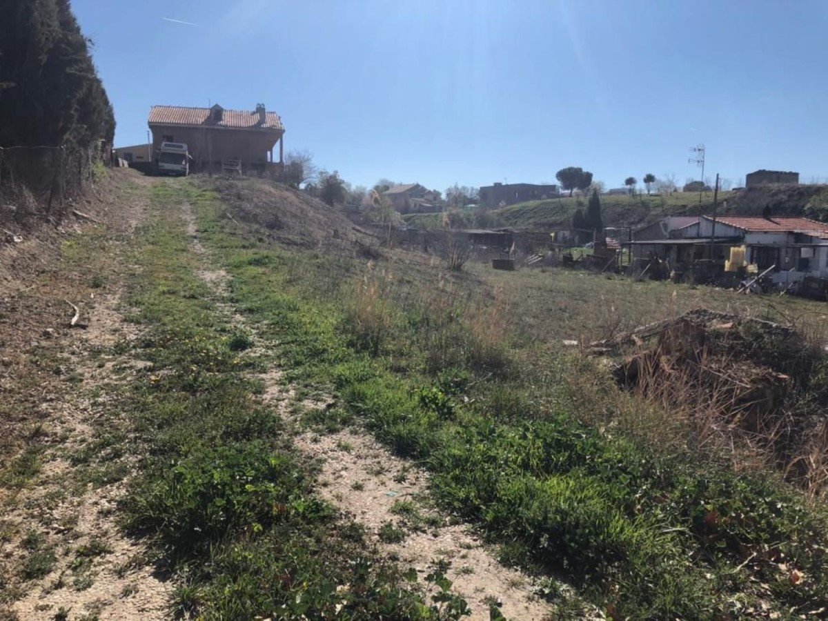 House  For Sale in  Yeles