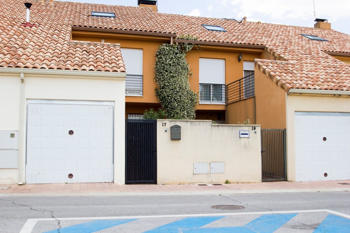 Terraced House  For Sale in  Patones