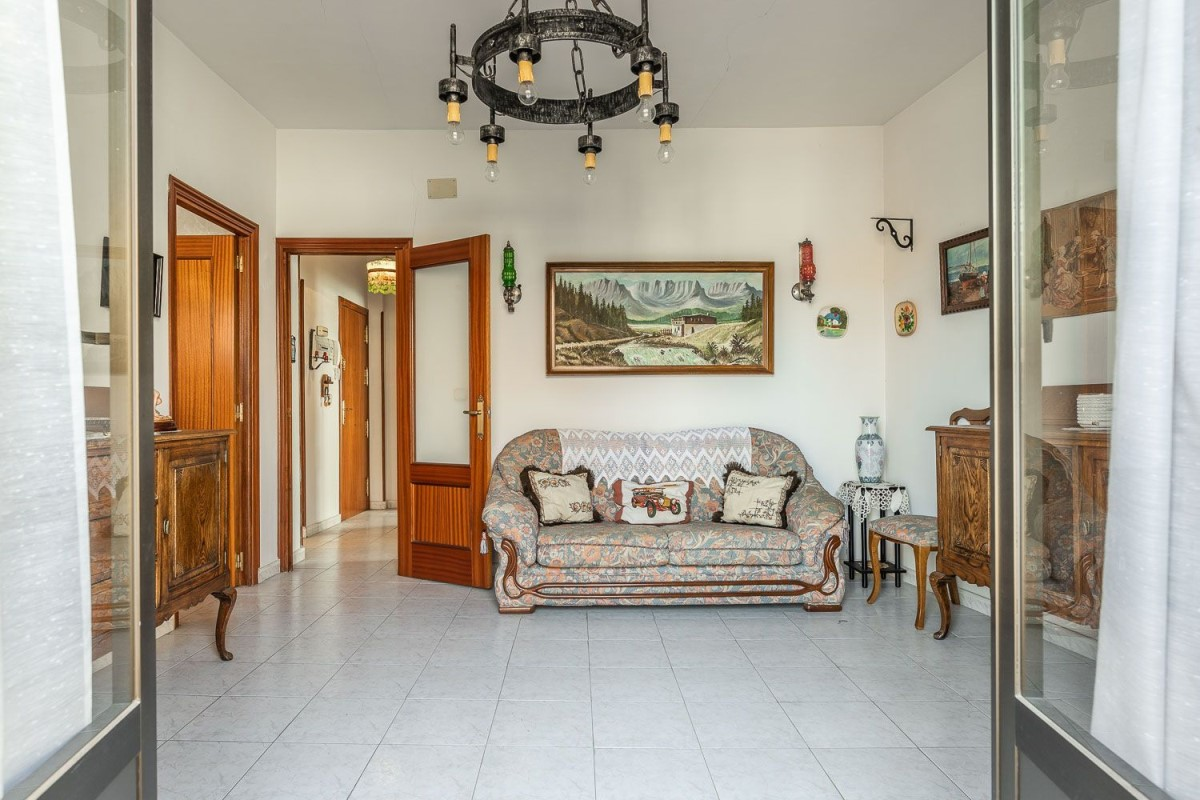 Apartment  For Sale in  Carabaña