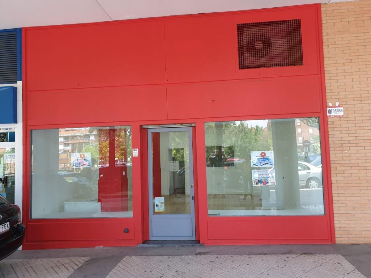 Local Comercial en Alquiler en Parque Empresarial, Rozas de Madrid, Las