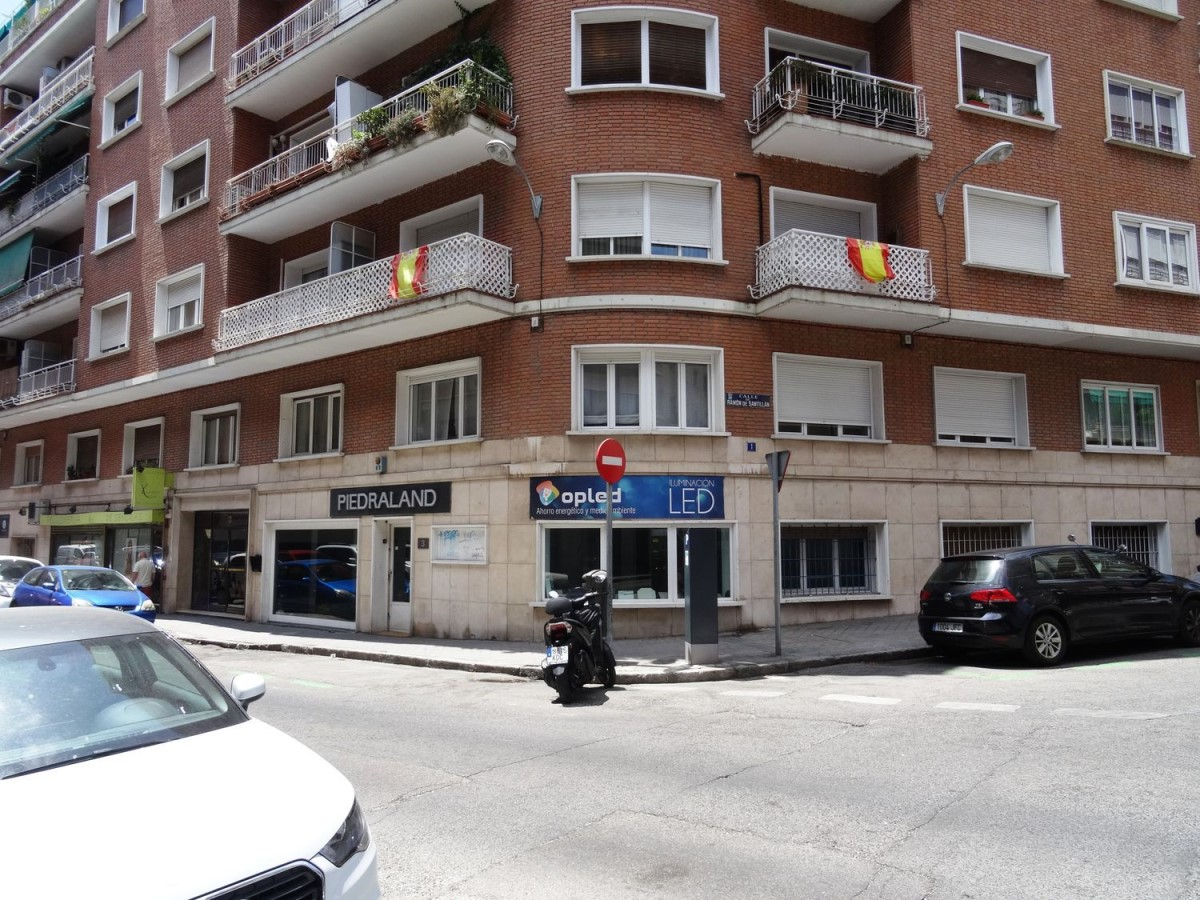 Retail premises  For Rent in Chamartín, Madrid