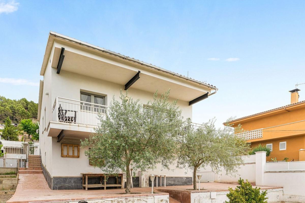 House  For Sale in  El Pont de Vilomara i Rocafort