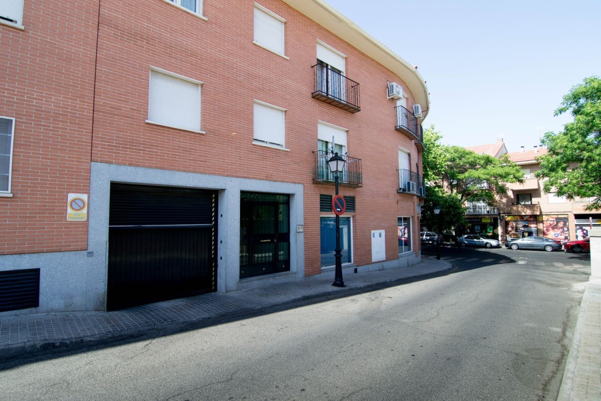 Apartment  For Rent in  Brunete
