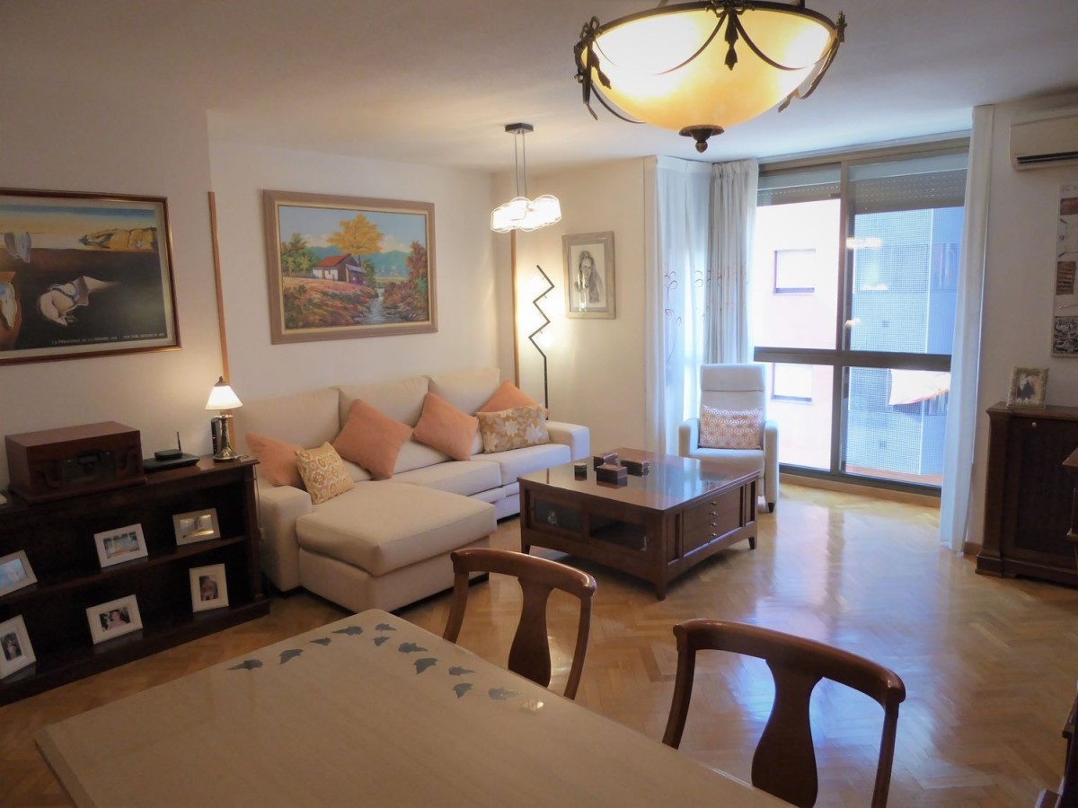 Apartment  For Sale in Usera, Madrid