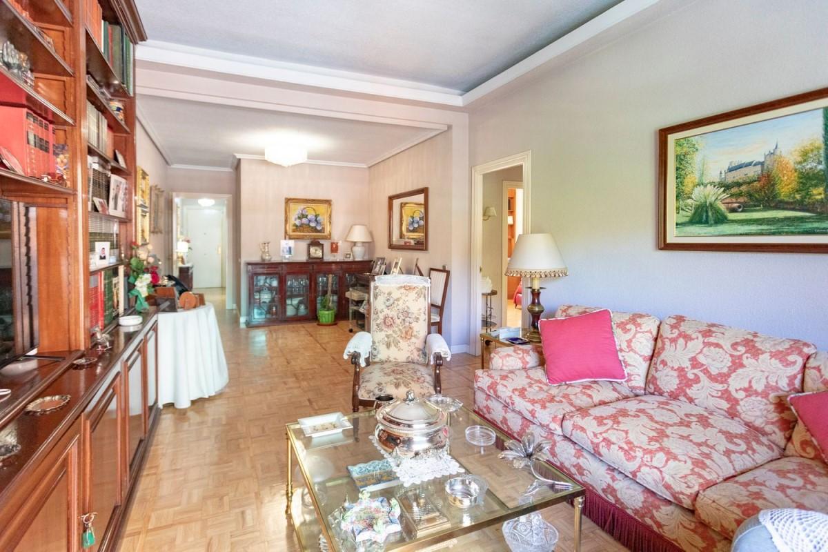 Apartment  For Rent in Retiro, Madrid