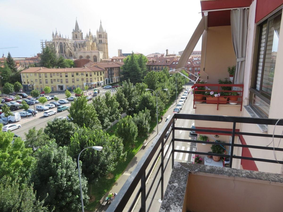 Piso en Venta en  León
