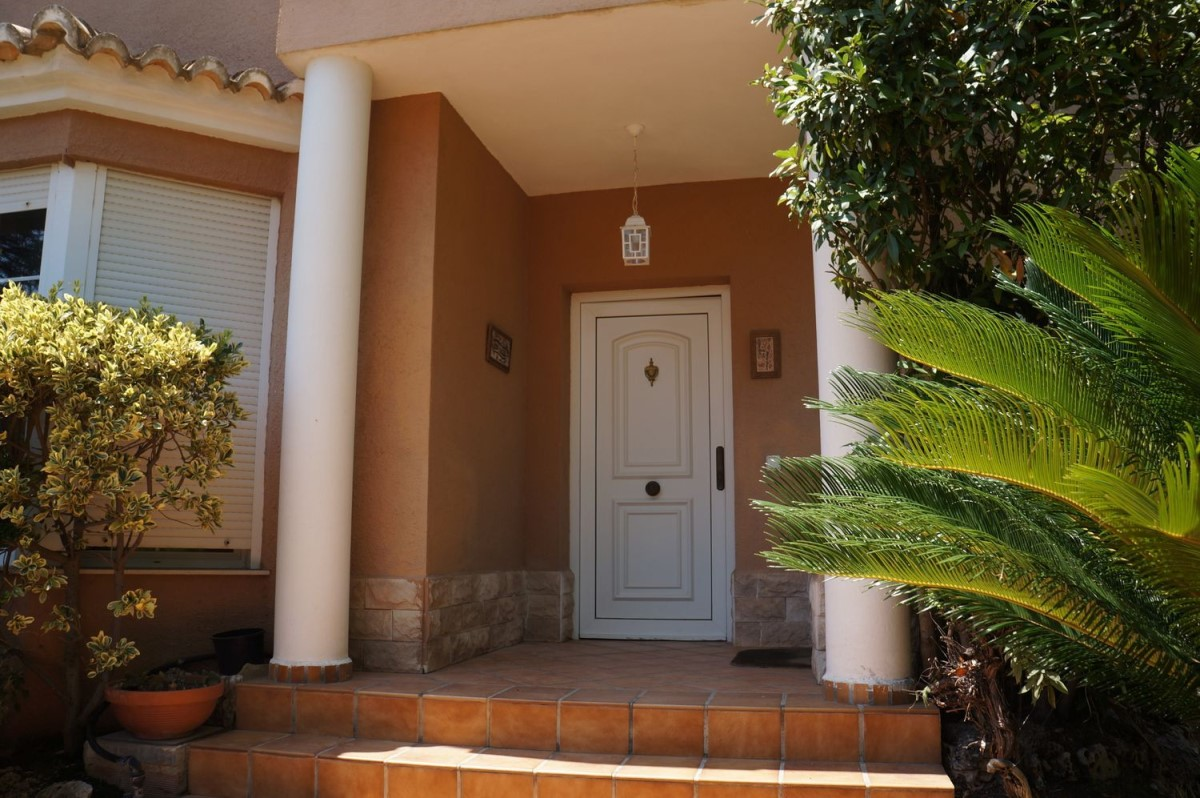 House  For Sale in  Eliana, L´