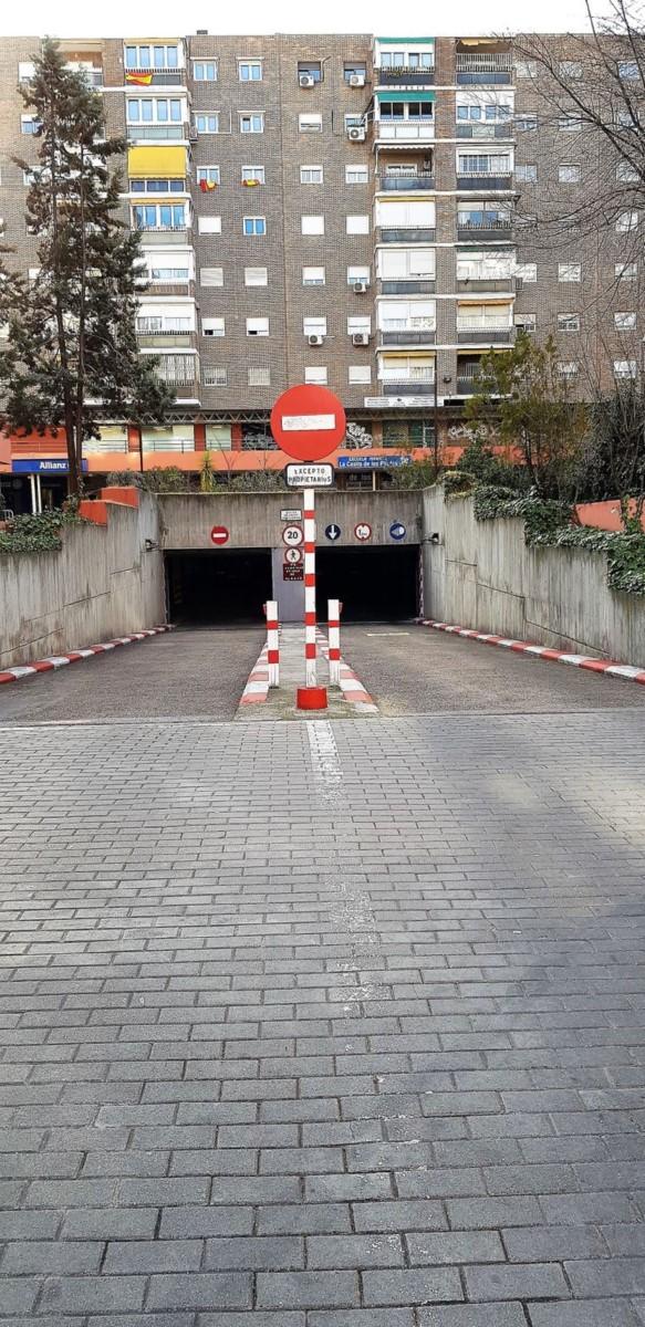 Parking  For Sale in Moratalaz, Madrid