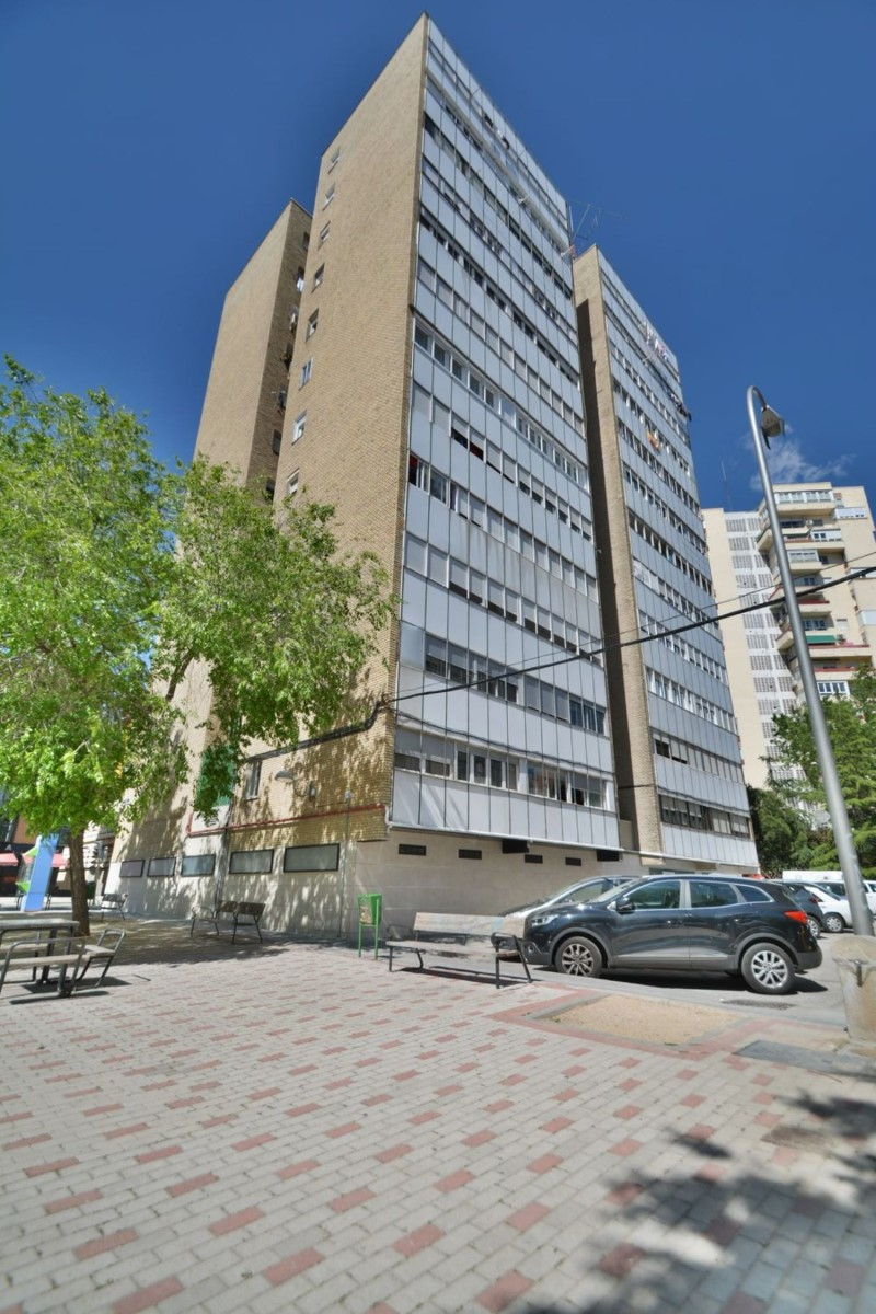 Apartment  For Rent in Hortaleza, Madrid
