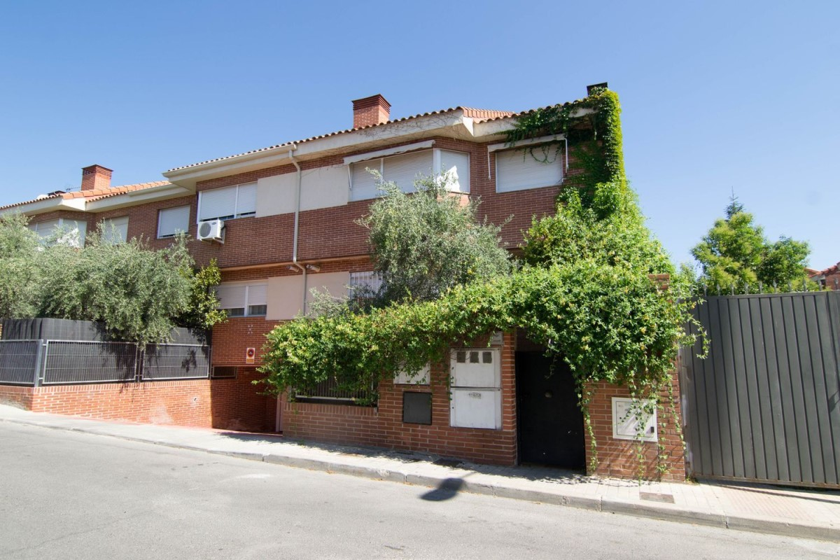 Terraced House  For Sale in  Villanueva de la Cañada
