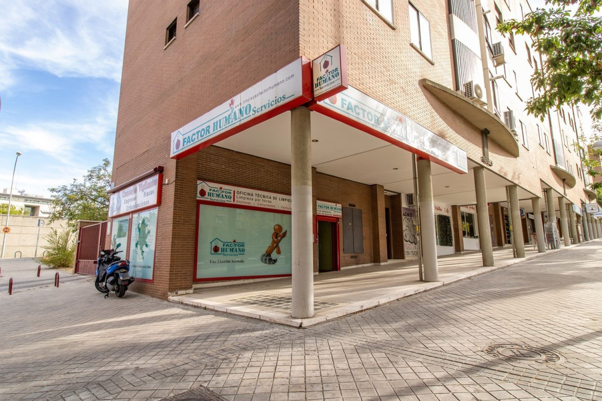 Local Comercial en Venta en Hortaleza, Madrid