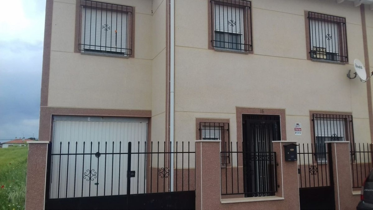 Terraced House  For Sale in  Tribaldos