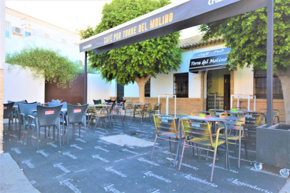 Local Comercial en Venta en  Villanueva del Ariscal