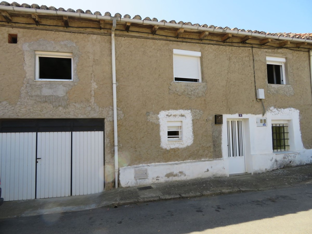 Casa Rural en Venta en  Ardón
