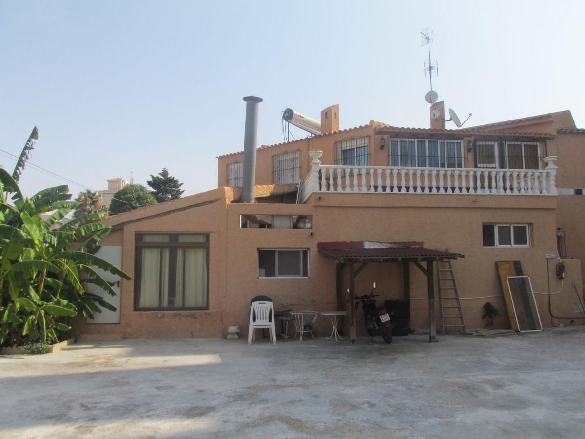 Chalet en Venta en Nueva Torrevieja - Aguas Nuevas, Torrevieja