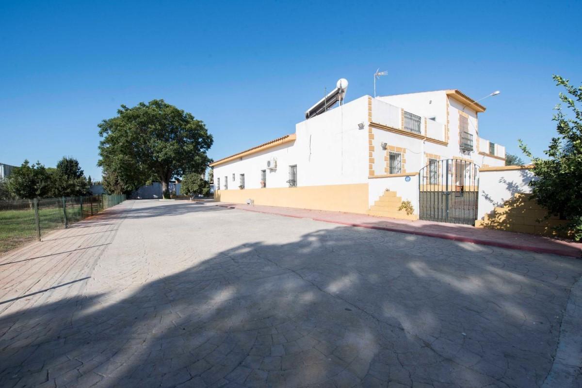 Casa Rural en Venta en  Gelves