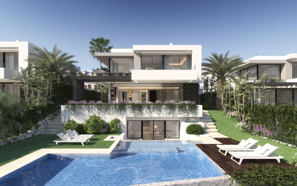 House  For Sale in Benamara-Atalaya, Estepona
