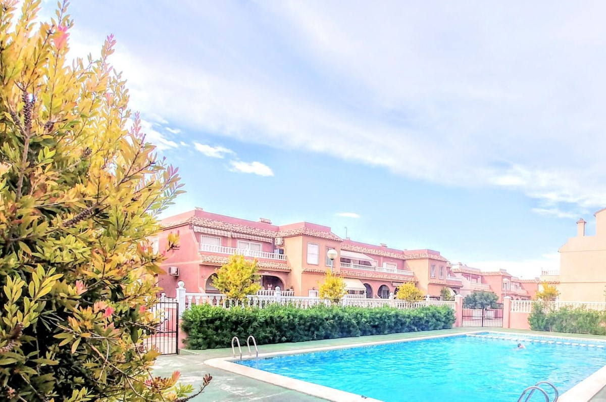 Apartment  For Sale in  gran alacant
