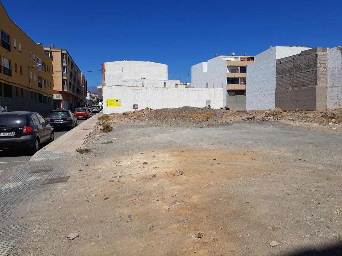 Suelo Urbano en Venta en  Santa Lucía de Tirajana