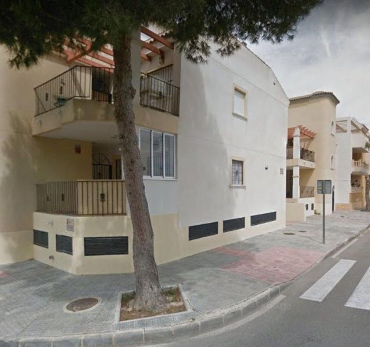 Garaje en Venta en  Almoradí