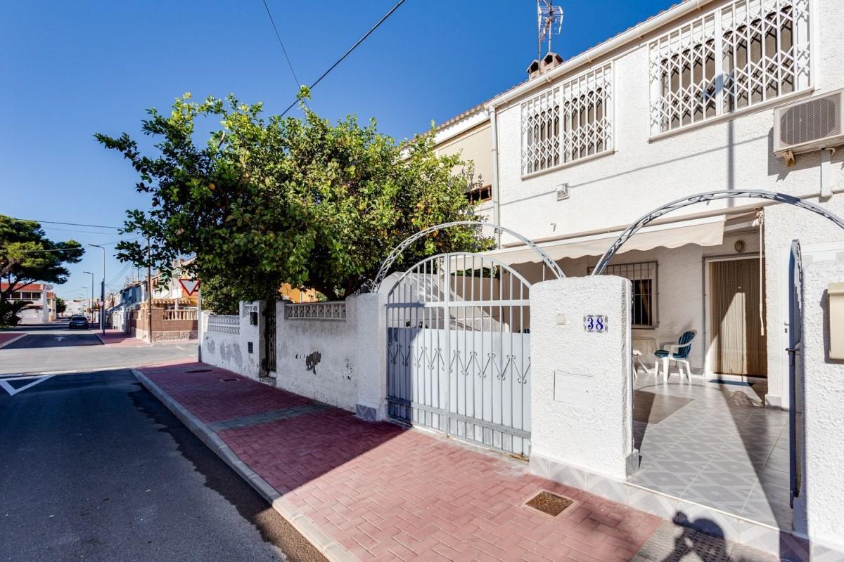 Chalet Adosado en Venta en El Acequión - Los Naúfragos, Torrevieja