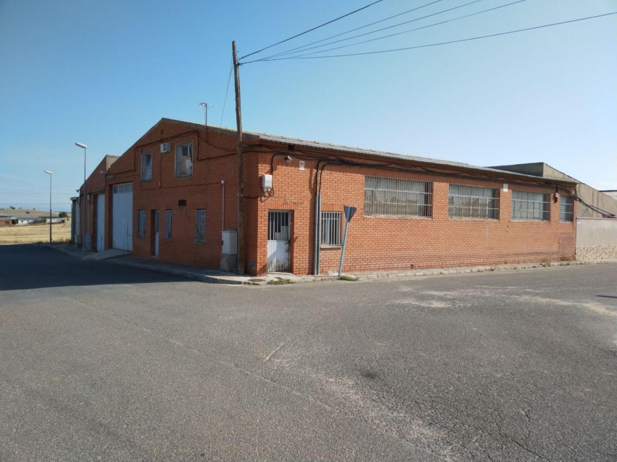 Nave Industrial en Venta en  Portillo de Toledo