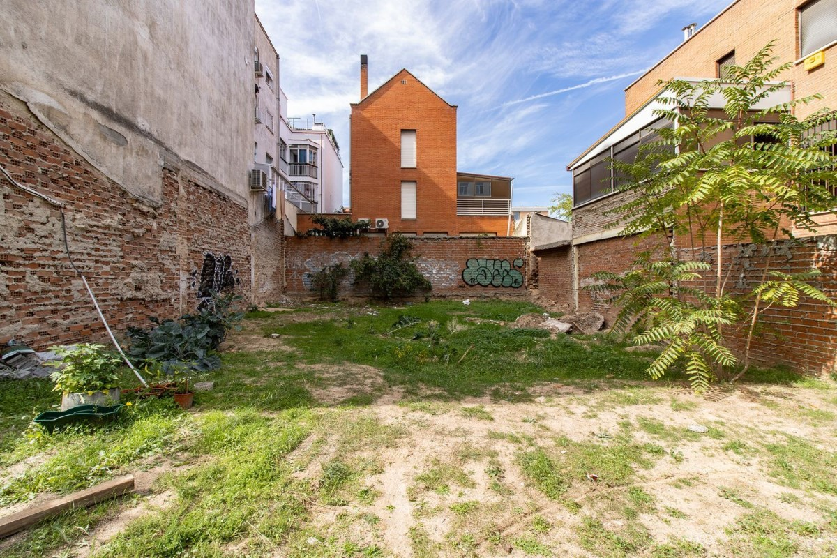 Urban lot  For Sale in Hortaleza, Madrid