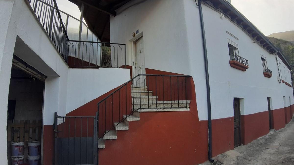 Chalet en Venta en  Puente de Domingo Flórez