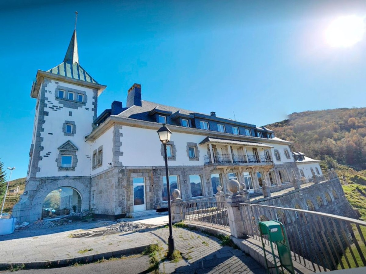 Public Building  For Sale in  lena