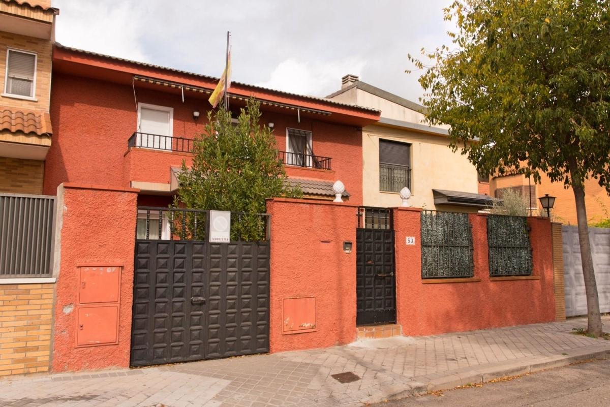 Chalet Adosado en Venta en Hortaleza, Madrid